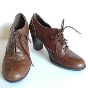 Bandolino Brown Leather Lace Up Oxford Heels 5.5